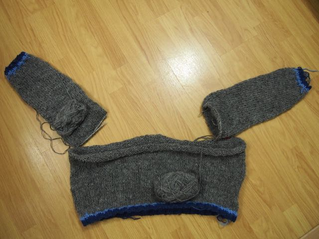 Bang out a sweater - a lopapeysa in progress