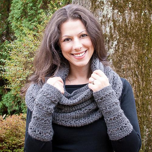 Wristwarmer crochet pattern