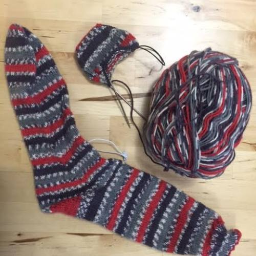 Knit socks toe up magic loop - in progress