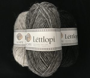 Traditional lettlopi yarn in natural colours