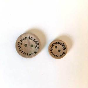 """Handmade with love"" buttons 15mm"