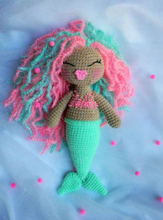Cute crochet mermaid amigurumi pattern