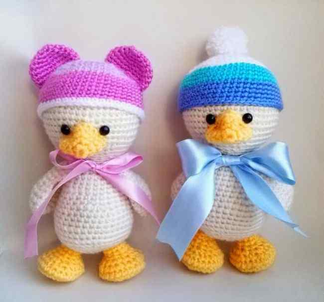 Amigurumi baby duck crochet pattern