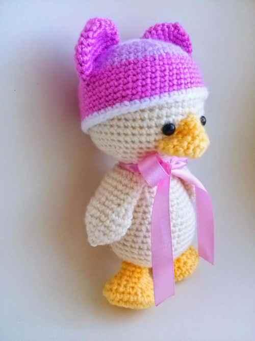 Amigurumi duck crochet pattern