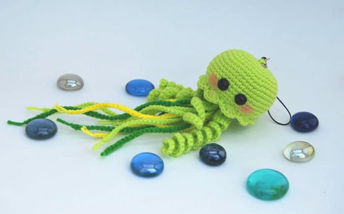 Crochet Jellyfish : Happy jellyfish amigurumi pattern - Amigurumi Today