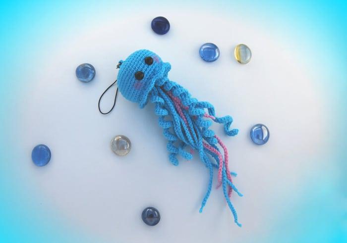 Happy jellyfish amigurumi pattern