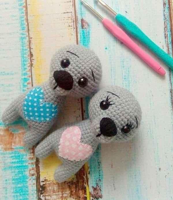 Crochet wolf cub free amigurumi pattern