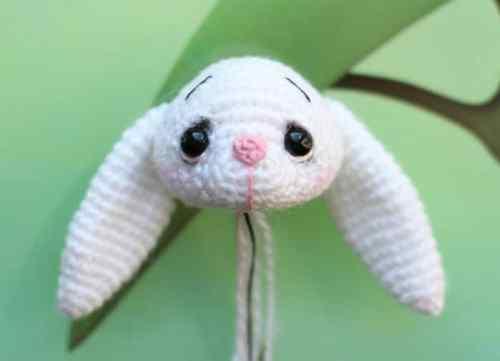 Little crochet bunny pattern