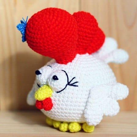 Small rooster free amigurumi crochet pattern