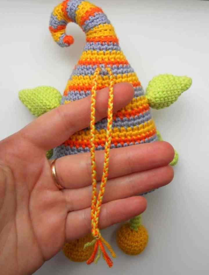 Crochet elf free amigurumi pattern