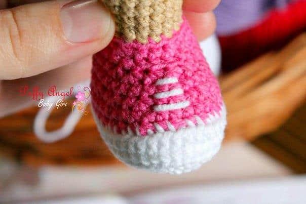 Doc McStuffins doll crochet amigurumi pattern - shoes