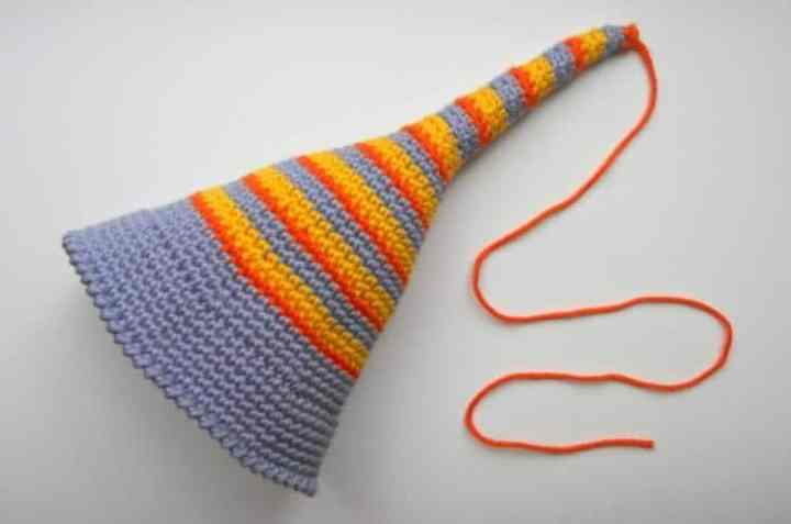Free amigurumi pattern crochet elf