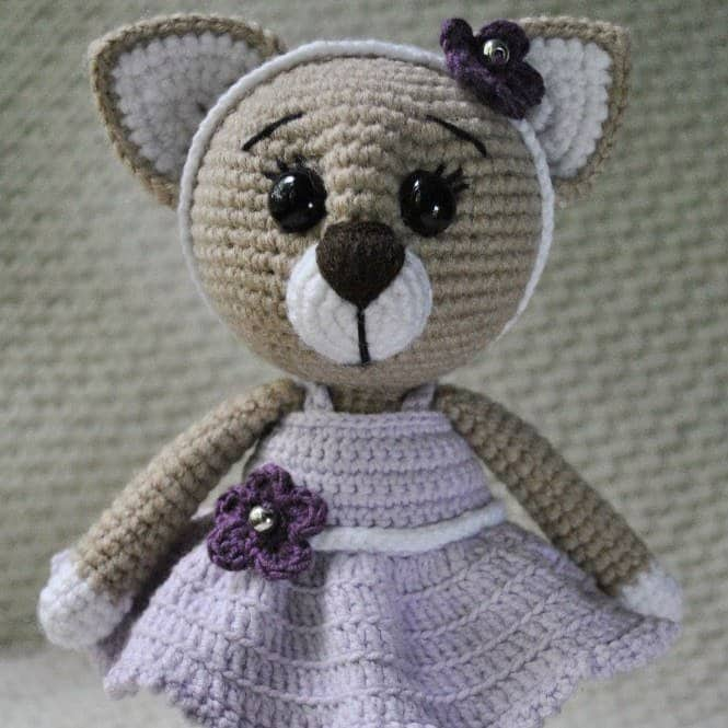 Сrochet lady cat free amigurumi pattern
