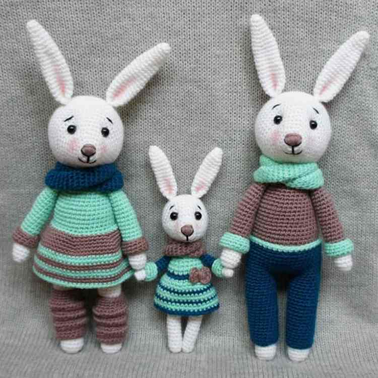 Pinky The Rabbit Amigurumi Crochet Pattern : Bunny family crochet toys free patterns - Amigurumi Today
