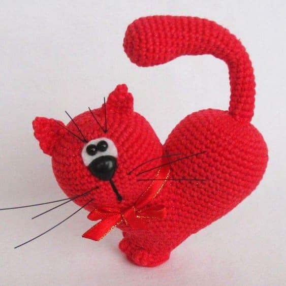 Amigurumi Valentine cat crochet pattern