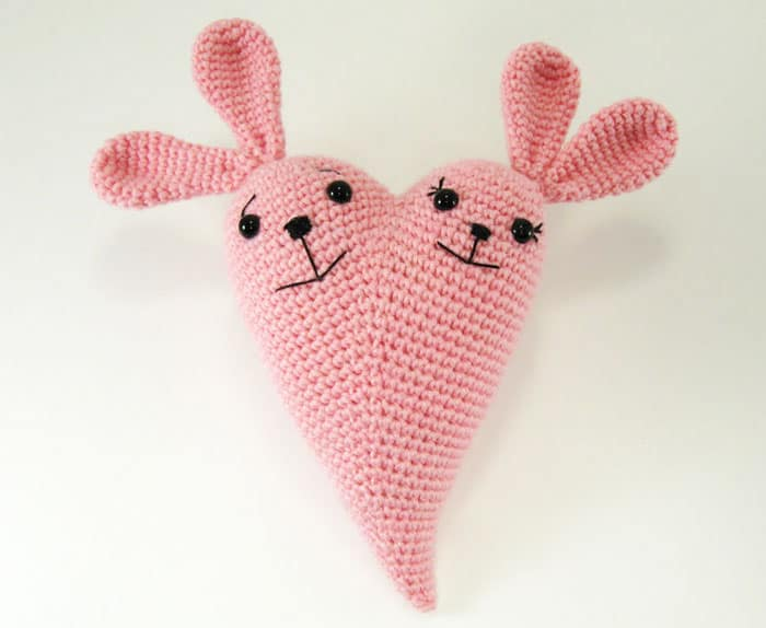 Bunny heart - free crochet pattern