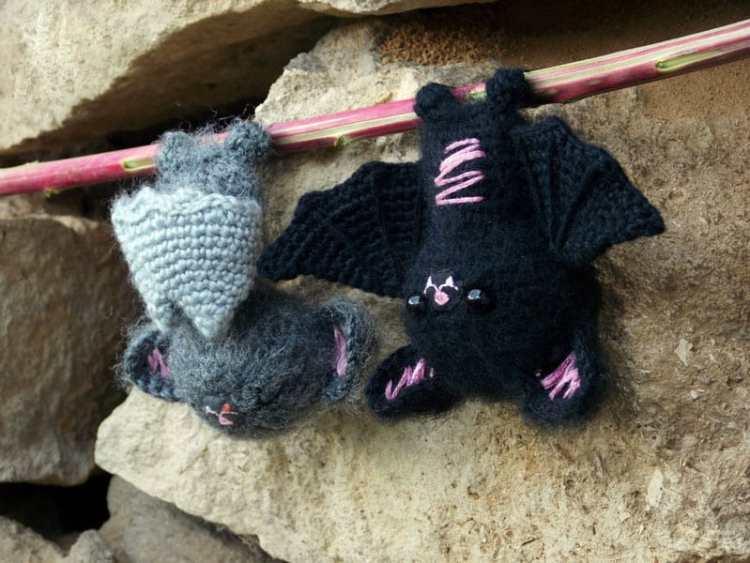 Free crochet bat amigurumi pattern