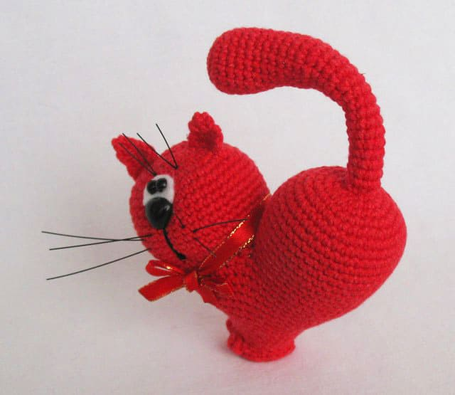 Valentine's Day Cat - Free crochet pattern