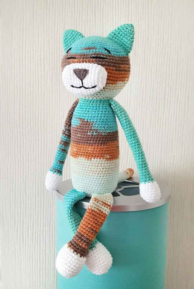 Free large Ami Cat crochet pattern