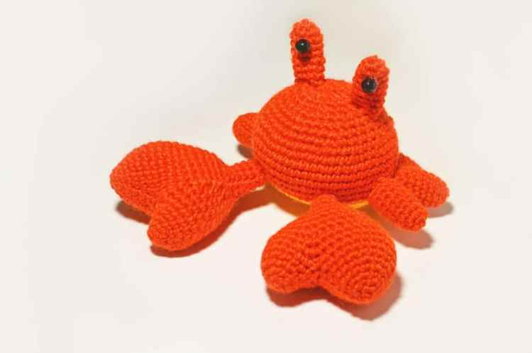 Mr Crab - free amigurumi pattern
