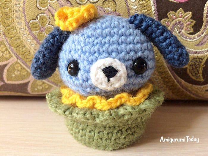 Amigurumi dog cupcake crochet pattern