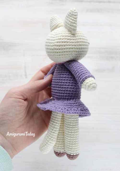 Kitty amigurumi in lilac dress - free pattern