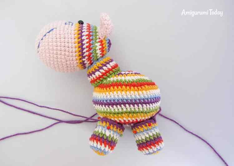 Crochet rainbow pony amigurumi pattern - assembly