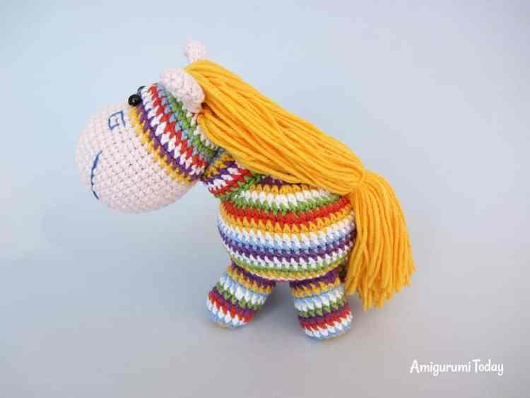 Rainbow pony amigurumi - free pattern
