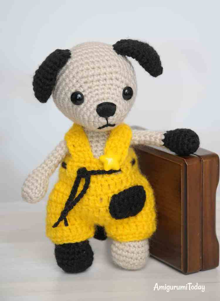 Amigurumi Tommy the Dog in overalls - FREE crochet pattern