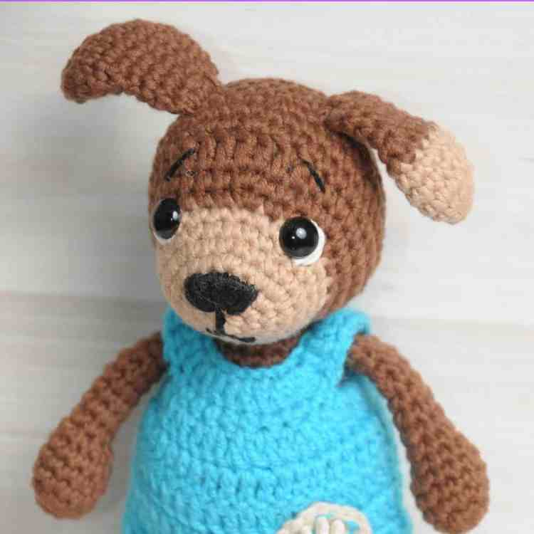 Crochet dog in jumpsuit - Free amigurumi pattern