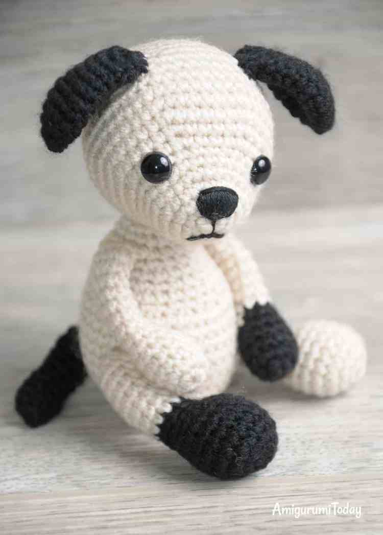 Tommy the Dog crochet pattern