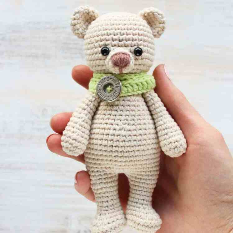 Crochet Cuddle Me Bear - Free amigurumi pattern