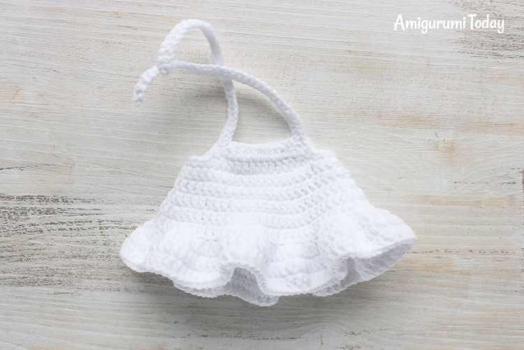 Crochet Smurfette amigurumi pattern - crochet toy dress pattern