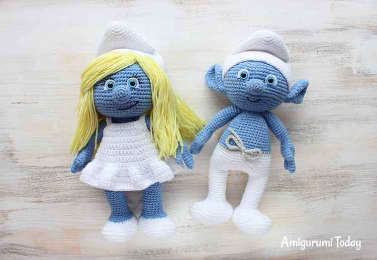 Crochet Smurfette - FREE amigurumi pattern