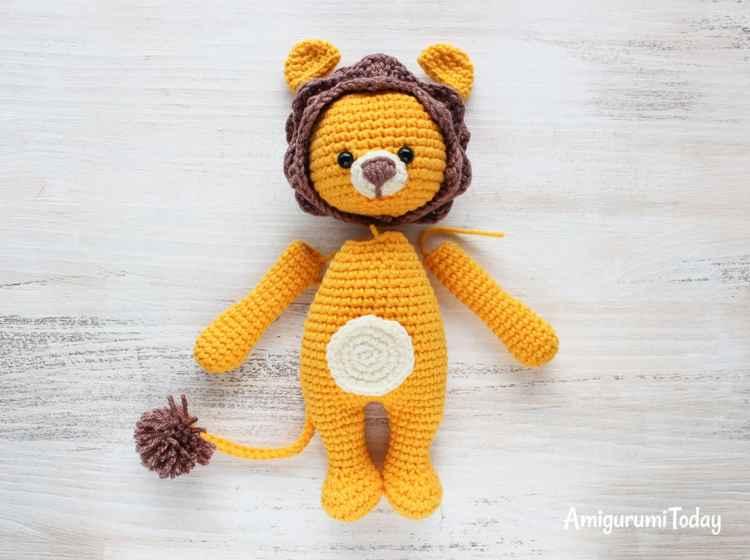 Cuddle Me Lion amigurumi pattern - assembly
