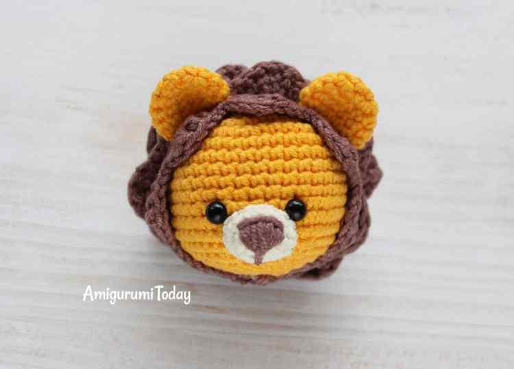 Cuddle Me Lion amigurumi pattern - head
