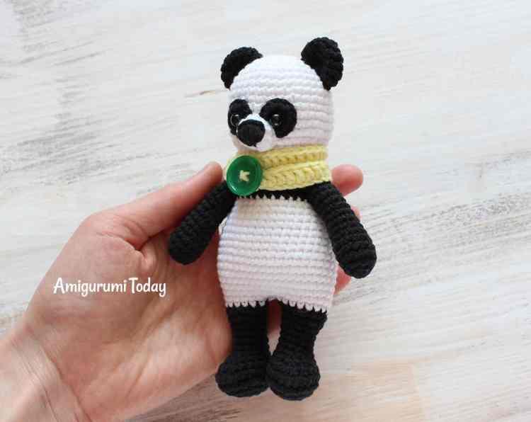 Cuddle Me Panda crochet pattern