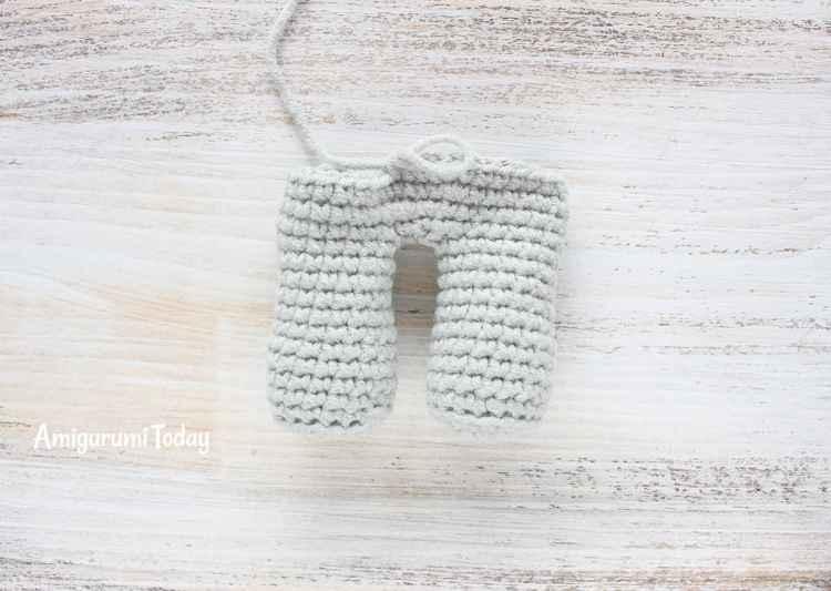 Cuddle Me Elephant Crochet Pattern - joining legs