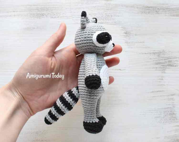 Cuddle Me Raccoon - Free amigurumi pattern