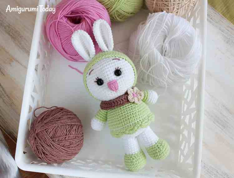 Sunny Bunny crochet pattern by Amigurumi Today