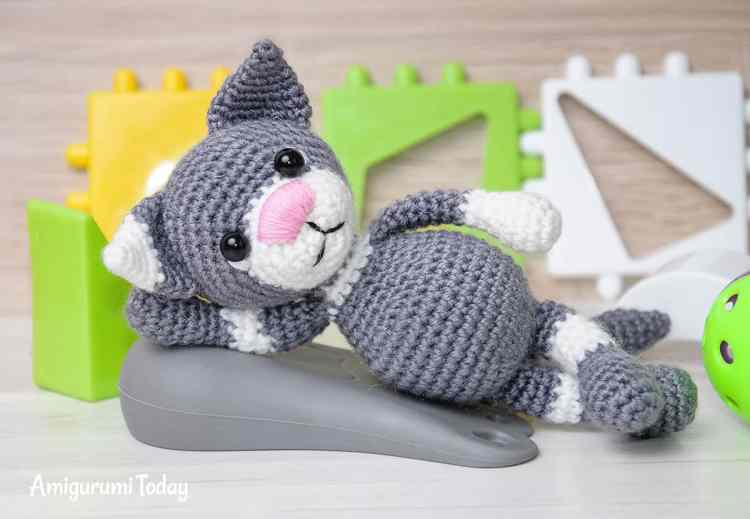 Toby the Cat amigurumi pattern