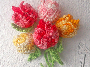 Mini tulips in freeform by Iriss  (http://www.livemaster.ru/topic/253209-mini-tyulpany-s-lepestkami-friform?vr=1&inside=1)