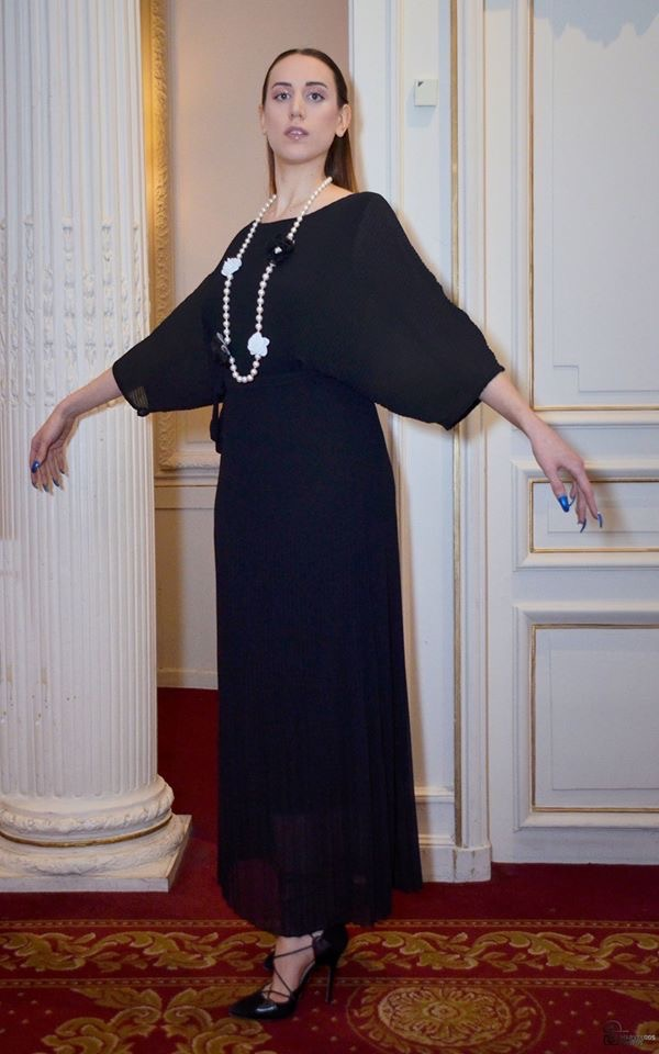 SUPERBE ROBE NOIRE PLISSEE JULY OF ST BARTH