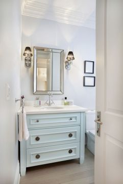 Courtesy of: http://www.countryliving.com/home-maintenance/cleaning/a35194/bathroom-cleaner-longer/