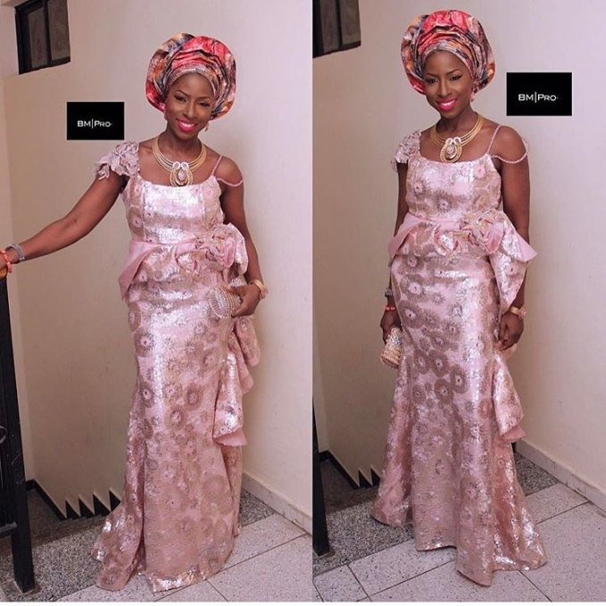 Check out the Beautiful and Fabulous Aso Ebi Styles We saw Over the Weekend