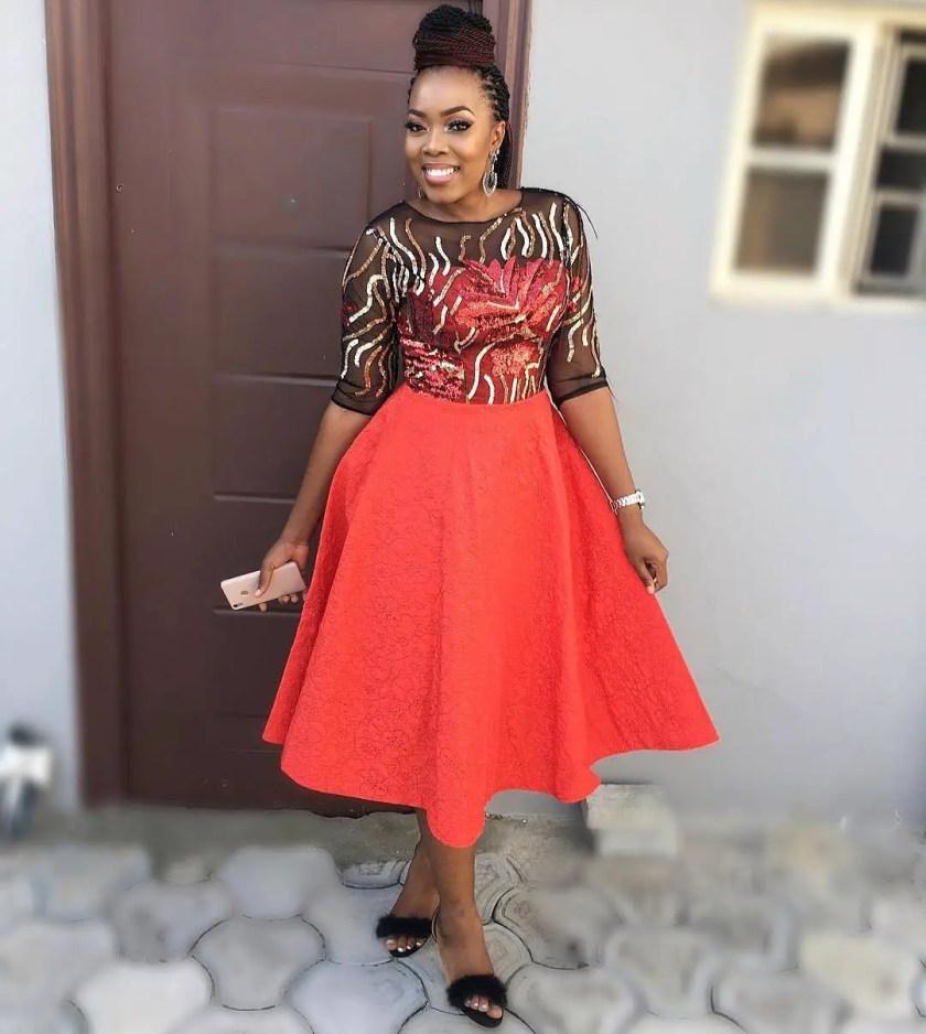 Let These Asoebi Ladies Styles School Ya!