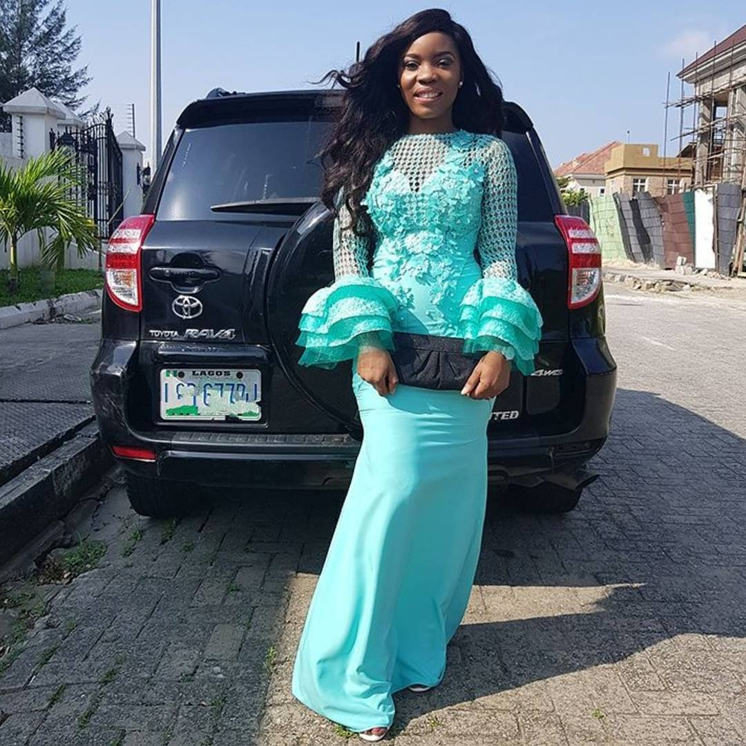 Keeping It Sweet And Sassy In Exquisite Latest Asoebi Styles
