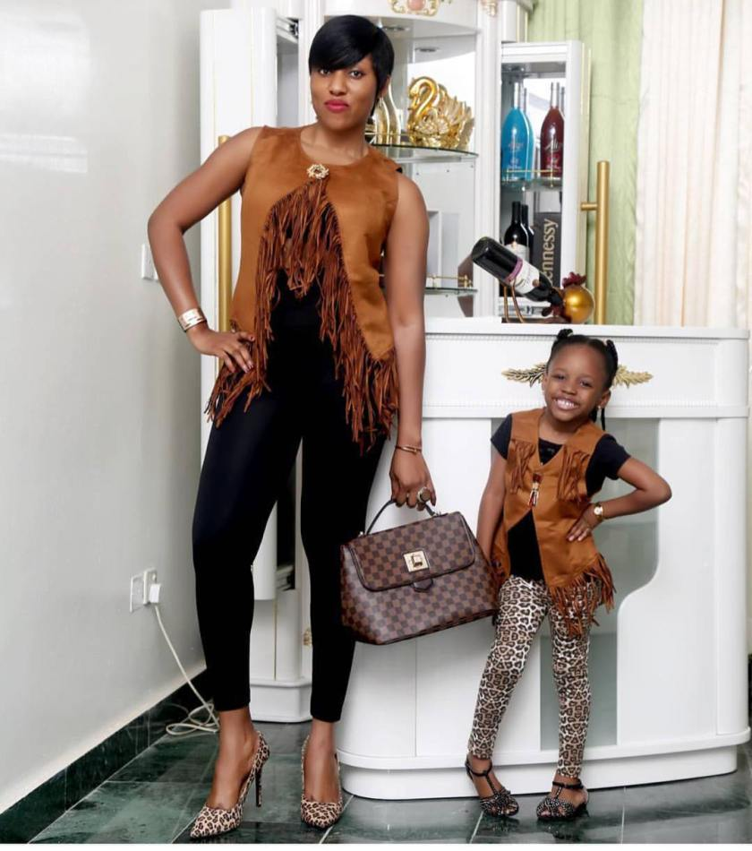 Cute Kids-Parents Fashion Twinning Styles