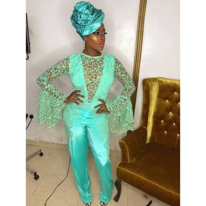Vavavooomm!! Hot Slaying Latest Asoebi Ladies