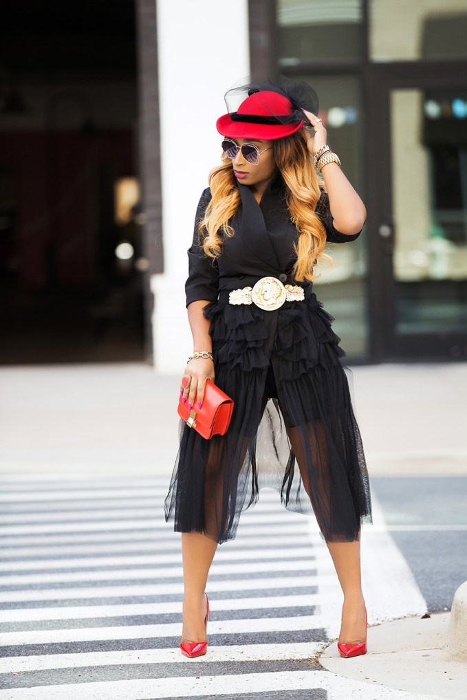 Style Dissection Lookbook 17: Chic Ama On Fire!